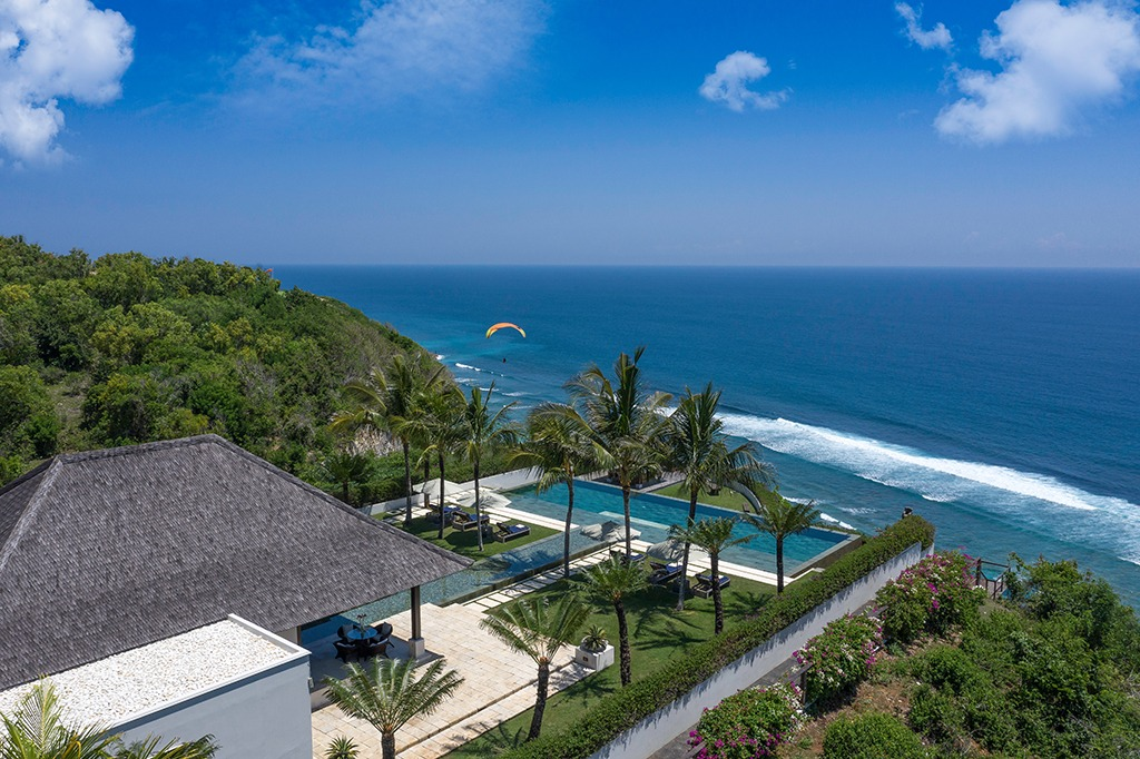 villa uluwatu at clifftop location