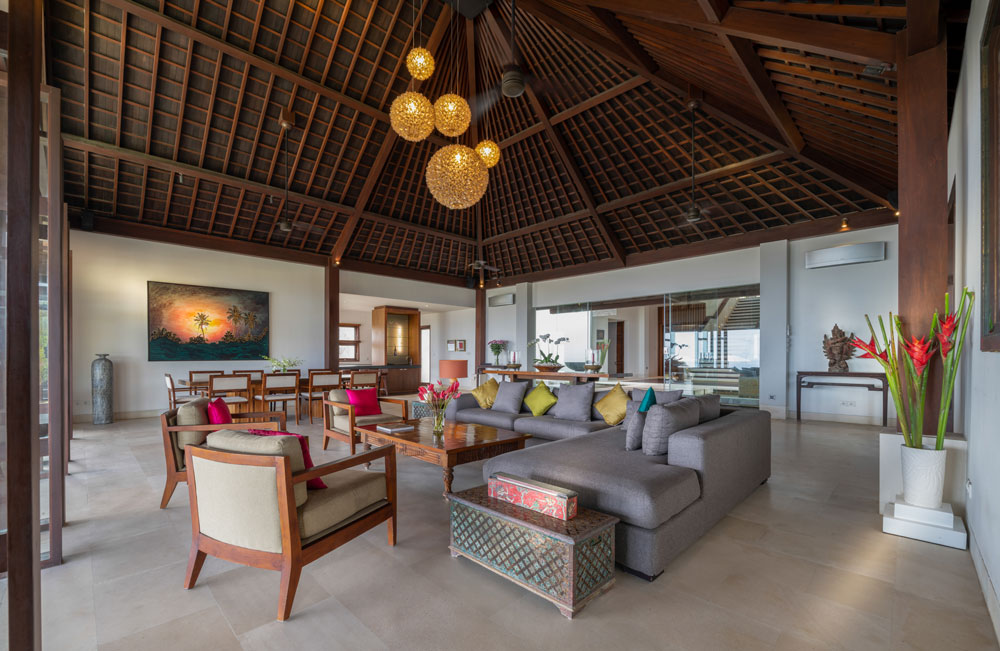bali villa rentals with blend of traditional and modernity